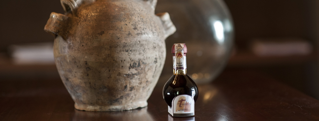 <blockquote><h3>Traditional Balsamic vinegar of Modena</h3>Patience and passion are needed to age it from 12 to 25 years </blockquote>