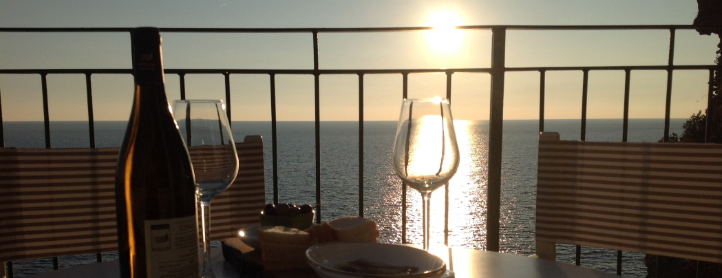 <blockquote><h3>Wine tasting at Vernazza Cinqueterre</h3>Surrounded by the enchanting panorama in Vernazza village, part of world well-known Cinqueterre Park</blockquote>